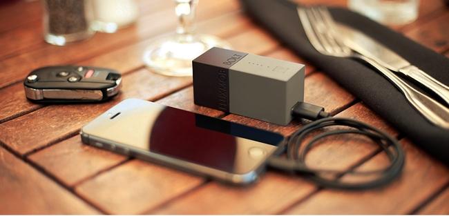 FLUXMOB BOLT Portable Power Adapter