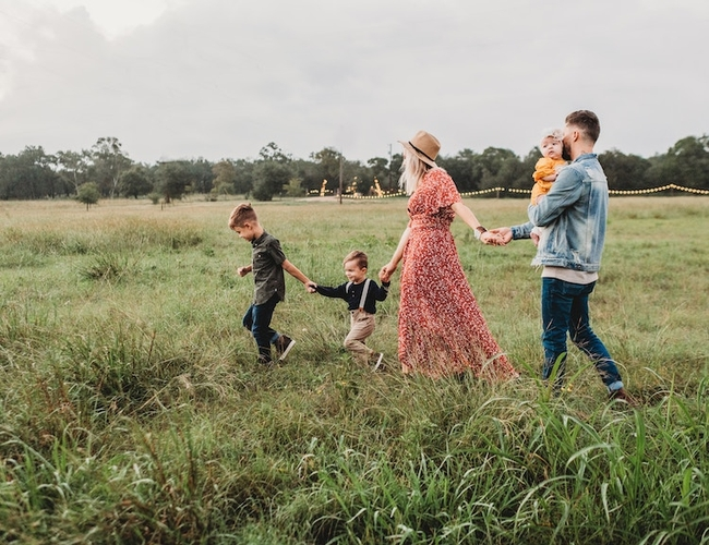 Family photography composition