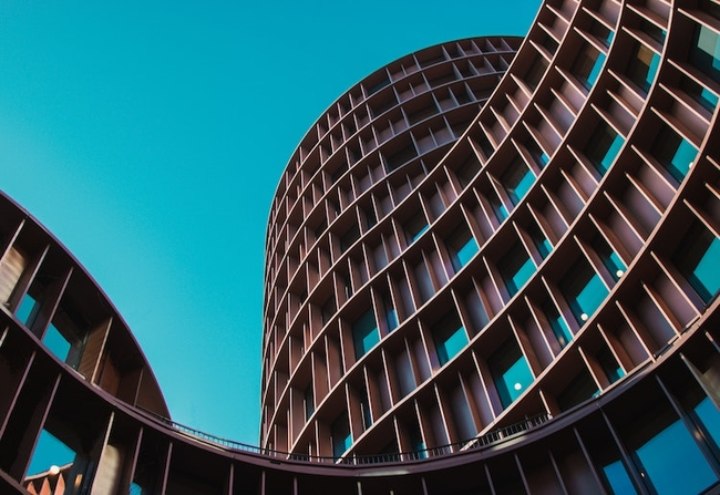 Leading lines in architecture